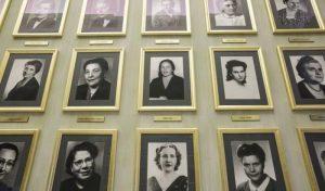 alla Camera dei Deputat* nellla sala delle donne i ritratti madri della repubblica